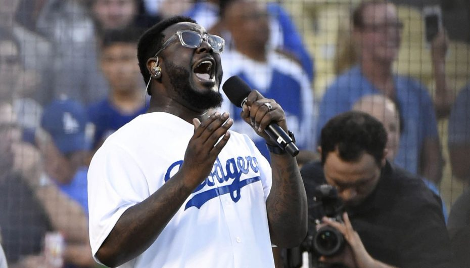 T-Pain sings National Anthem at LA Dodgers Game (No Autotune)